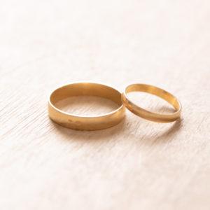 Photographe de mariage à Montpellier. Photographie d'alliances.